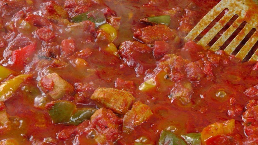 sofrito español, la salsa mediterránea por excelencia